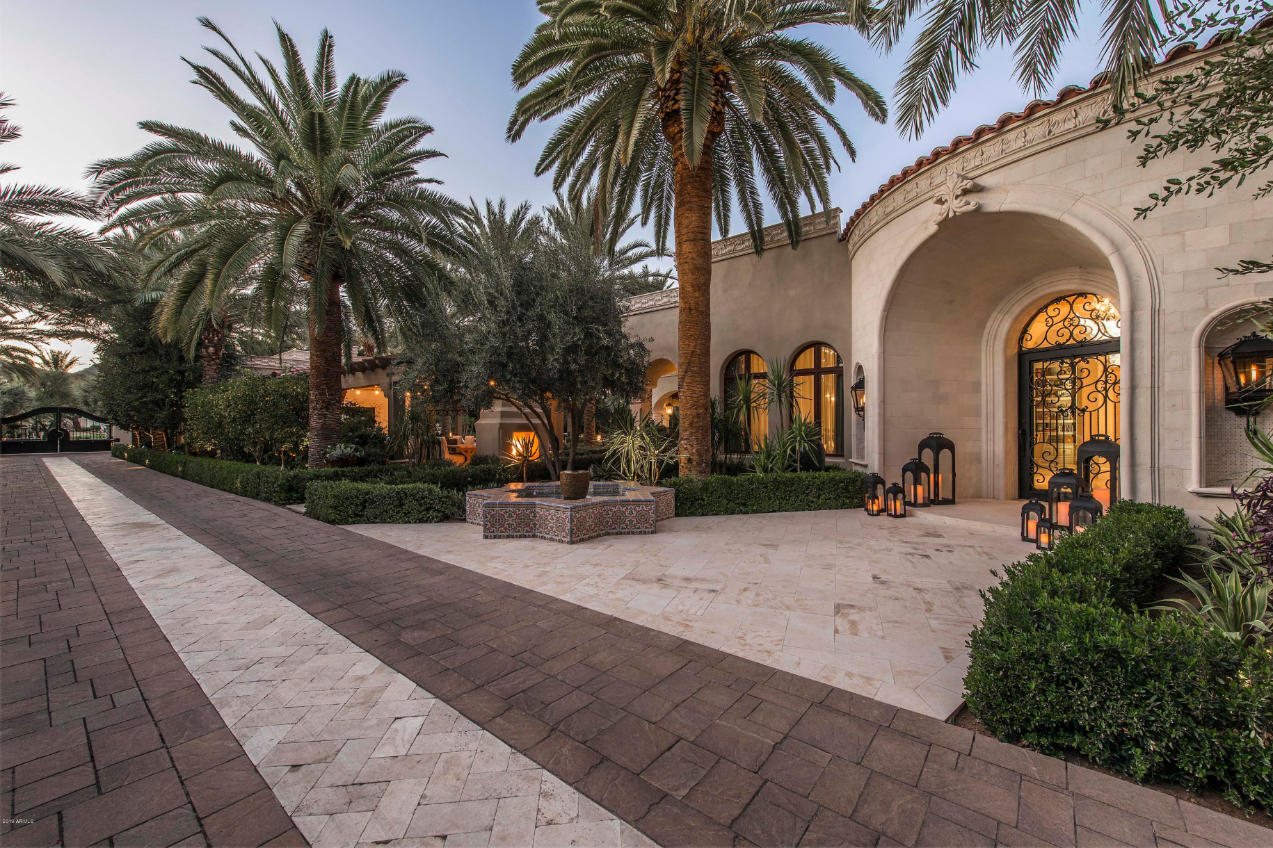 luxury home at 7801 N Calle Caballeros -- Paradise Valley, AZ 85253